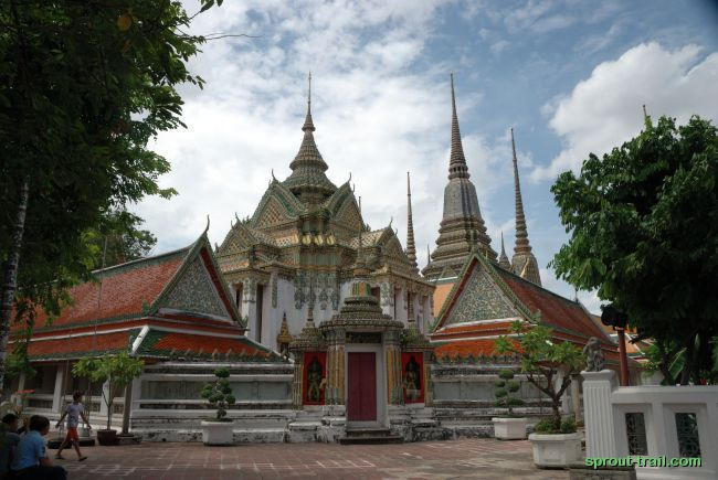 The temples of Wat Pho