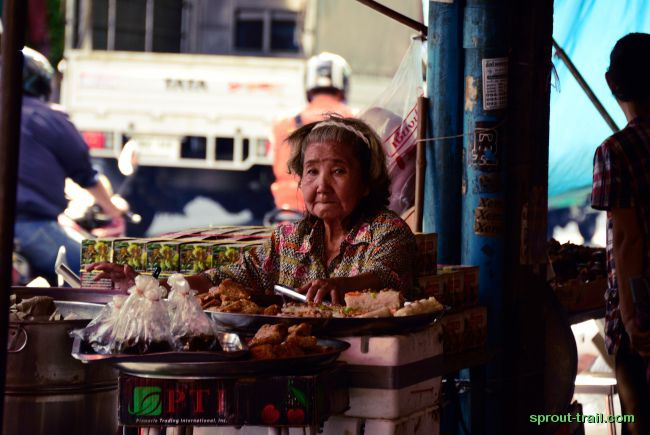 Street food lady in China Town